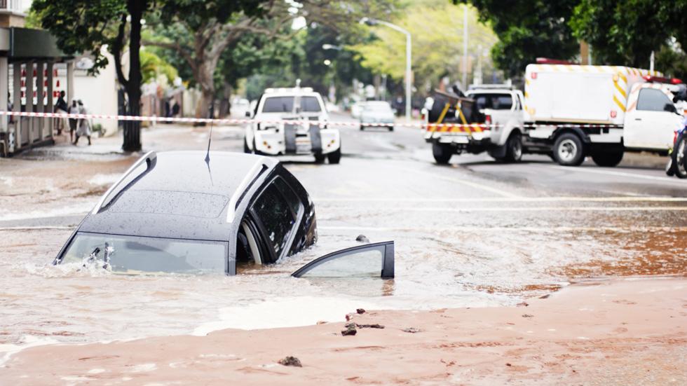 """Lluvias torrenciales, terremotos… el coche """"a terceros"""" sí lo cubre el seguro"""