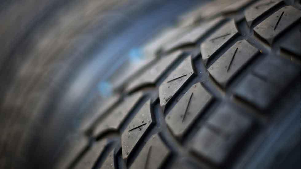 El 73 por ciento de los coches circula con poca presión en las ruedas
