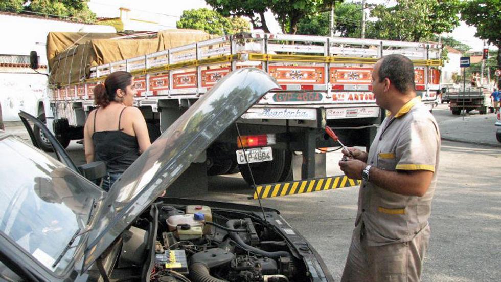 Ayudas de 400 euros por adaptar tu coche a combustibles más limpios