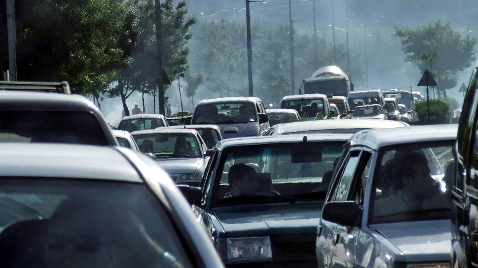 ¿Cuántos años de media tienen los coches que circulan en España?