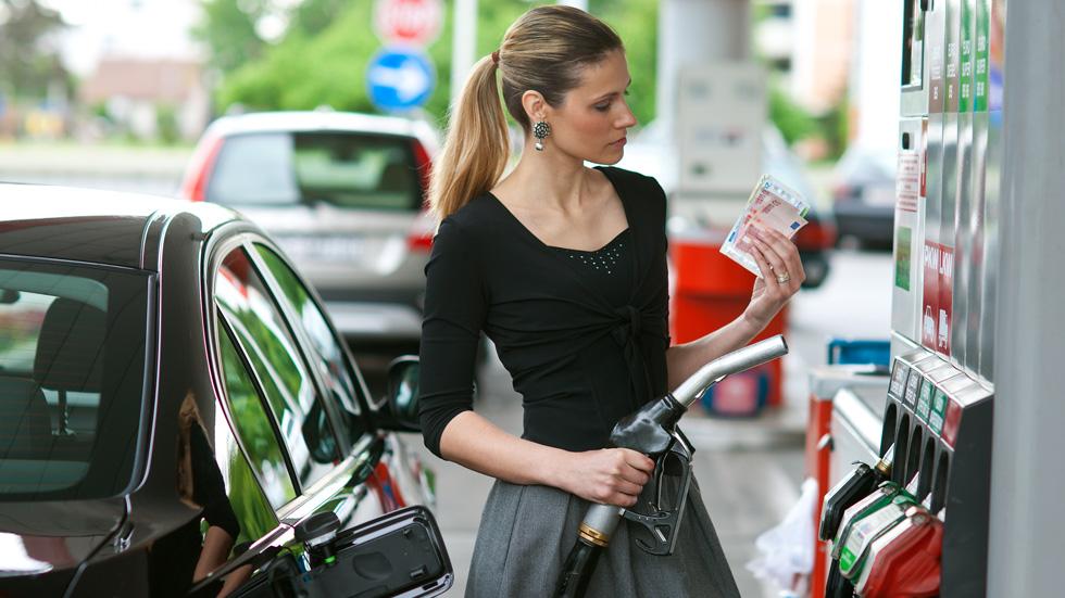 Ahorra dinero: 10 soluciones para que tu coche consuma menos