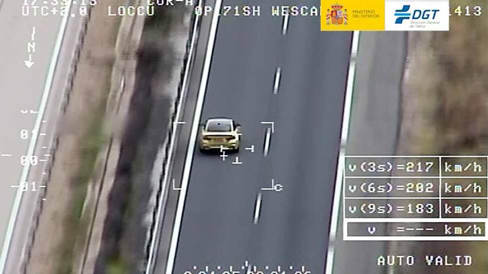 """El radar-helicóptero Pegasus """"caza"""" a varios conductores a más de 200 km/h (vídeo)"""