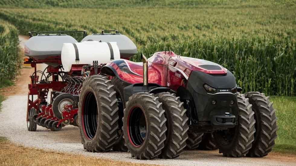 Así es el tractor que conduce solo (fotos y vídeo)