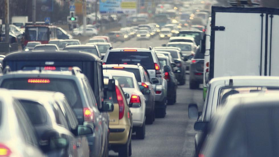 Así se evitarían los atascos de tráfico (vídeo)