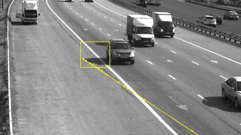 Un conductor, multado por la sombra de su coche