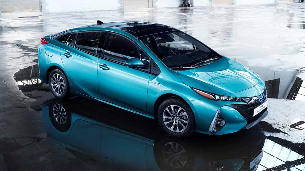 El toyota prius plug in 2017 en el sal n de par s for Salon de paris 2017