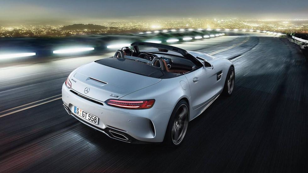 """Mercedes-AMG GT y GT C Roadster: brutal """"striptease"""" en el Salón de París"""
