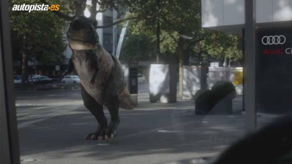 Audi usa un dinosaurio para promocionar los coches autónomos (vídeo)