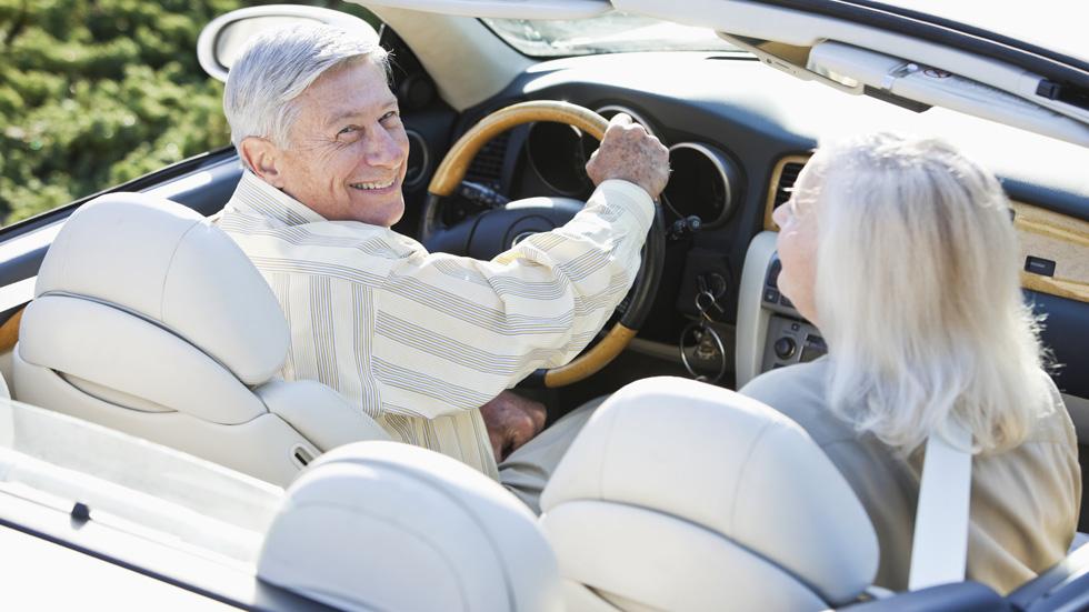 Conductores mayores de 65 años: ¿son un peligro en la carretera?