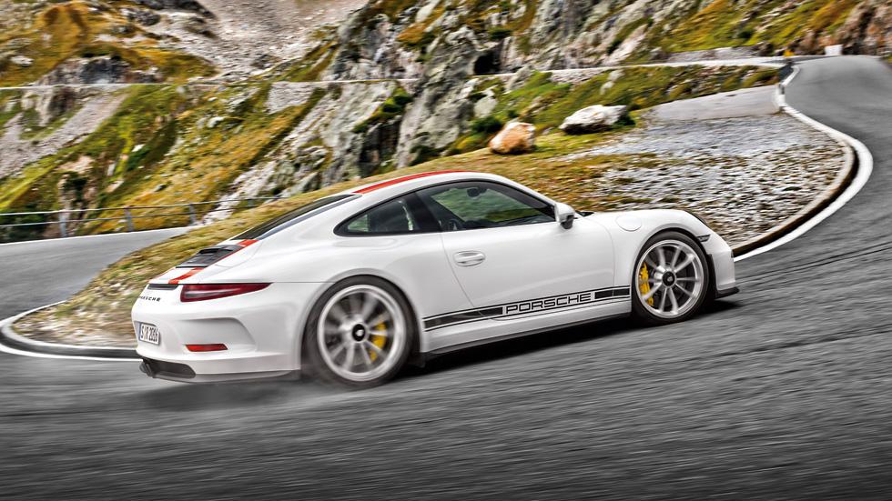 Porsche 911 R: a prueba la nueva leyenda deportiva