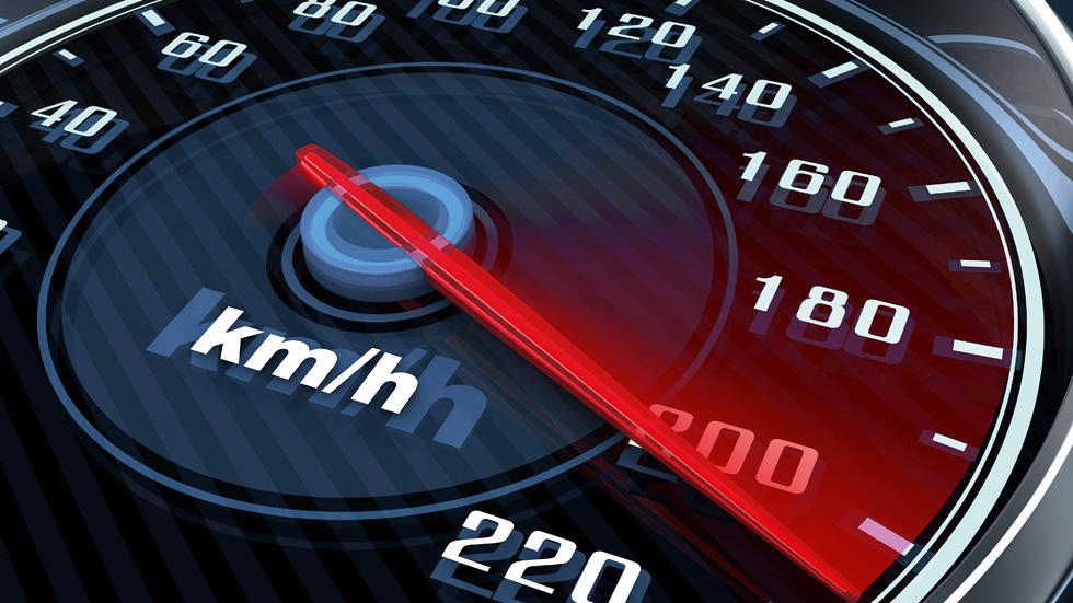 Más de la mitad de los conductores excede los límites de velocidad