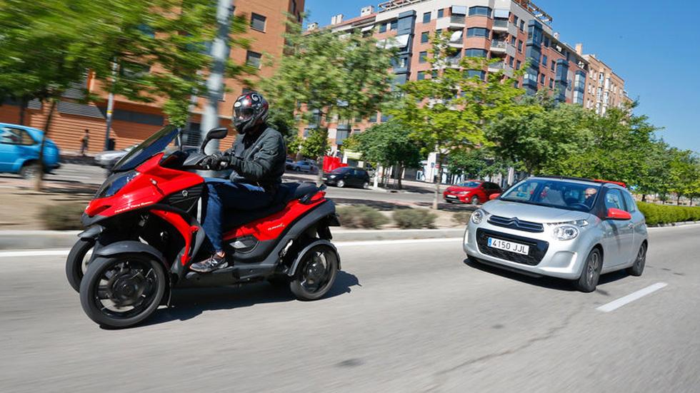 ¿Qué elegir? ¿Un coche o una moto de cuatro ruedas?