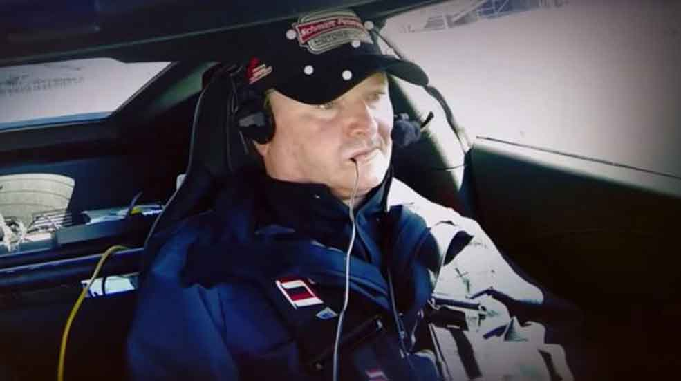 ¿Te imaginas poder conducir con la cabeza un superdeportivo? (Vídeos)
