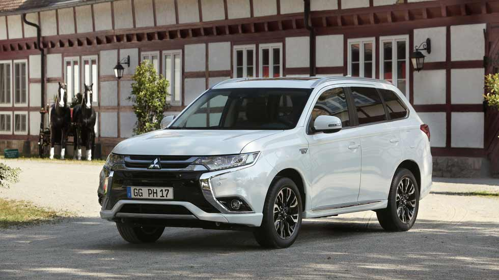 Mitsubishi Outlander PHEV 2017: fotos y datos oficiales
