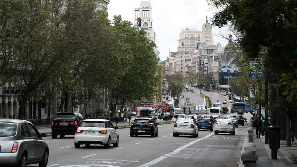 Los coches más contaminantes pagarán más por aparcar en Madrid
