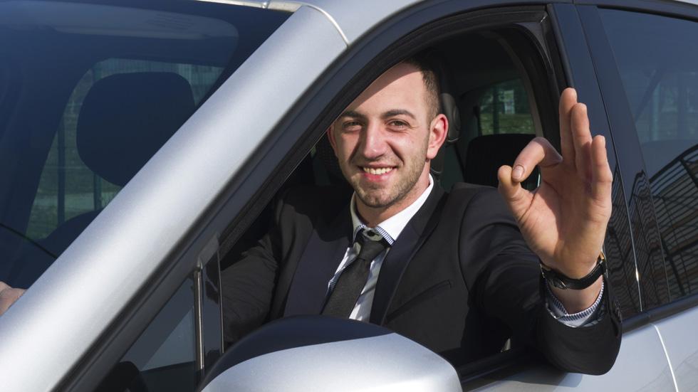 Cómo aprobar el examen de conducir a la primera