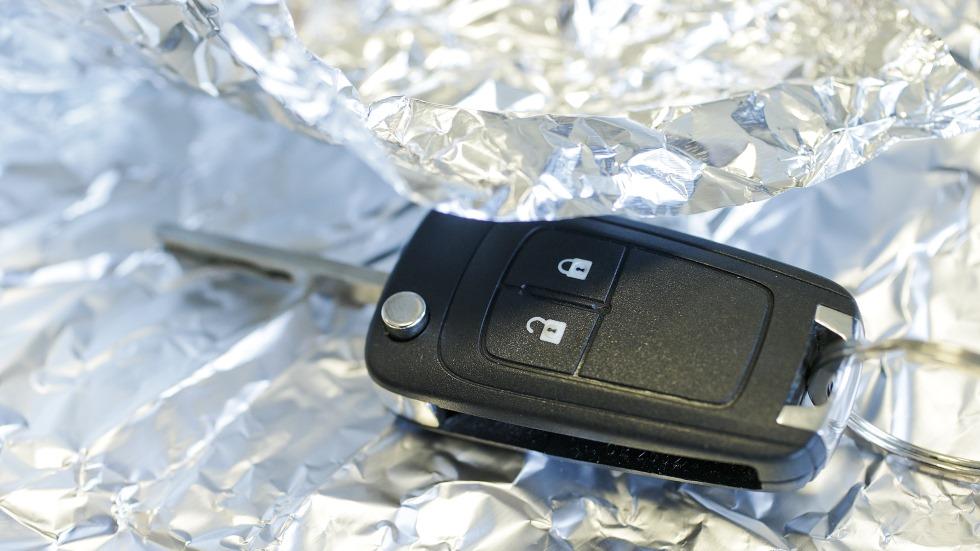 Con papel de aluminio puedes evitar que te roben el coche