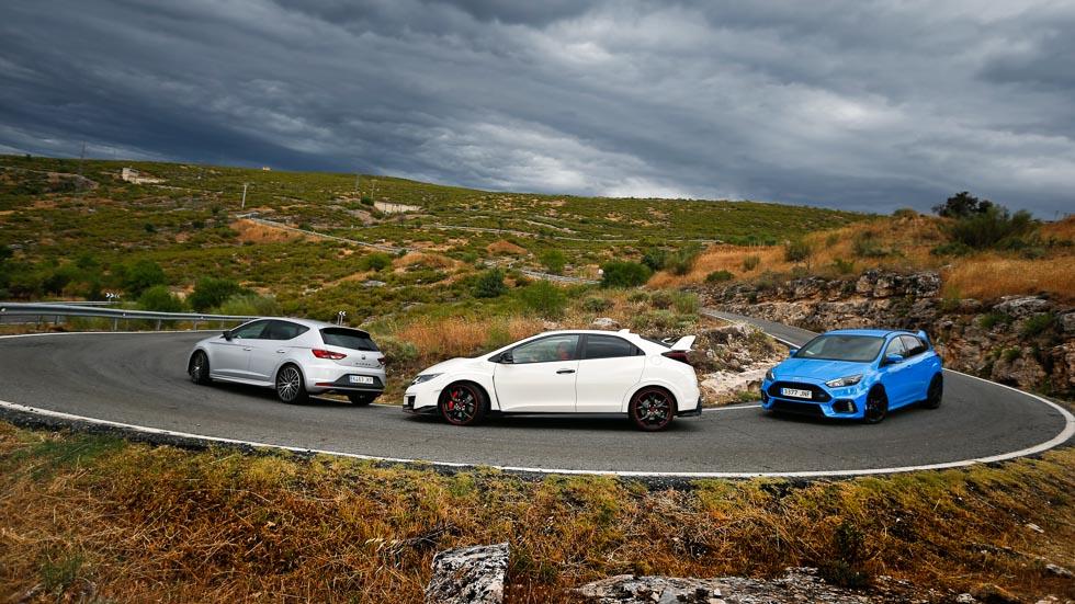 Honda Civic Type R, Ford Focus RS y Seat León Cupra, ¿cuál es más rápido?
