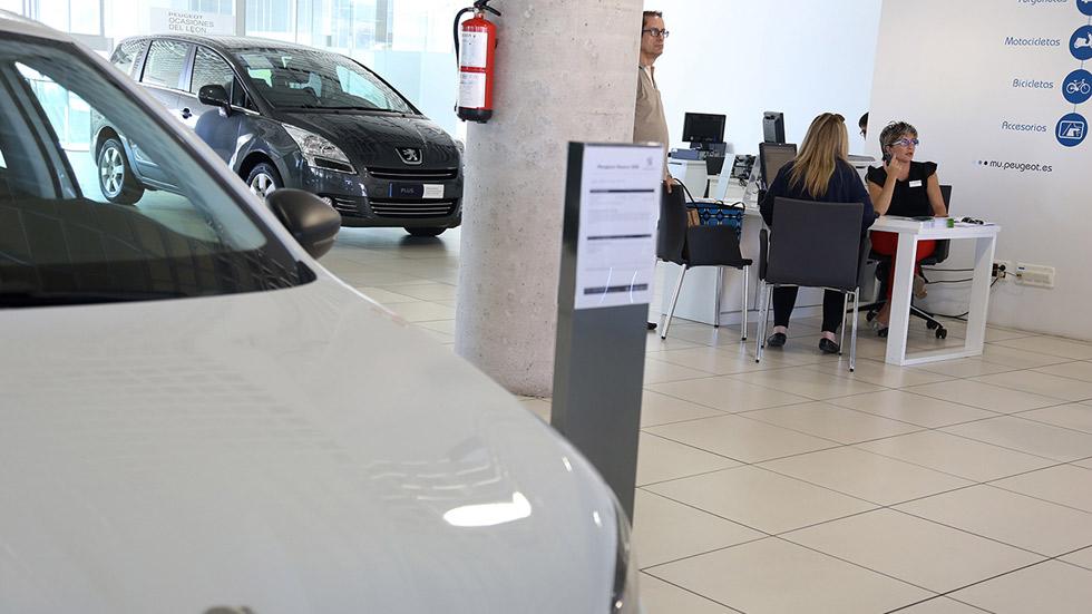 La OCU advierte sobre la financiación de los coches en concesionarios