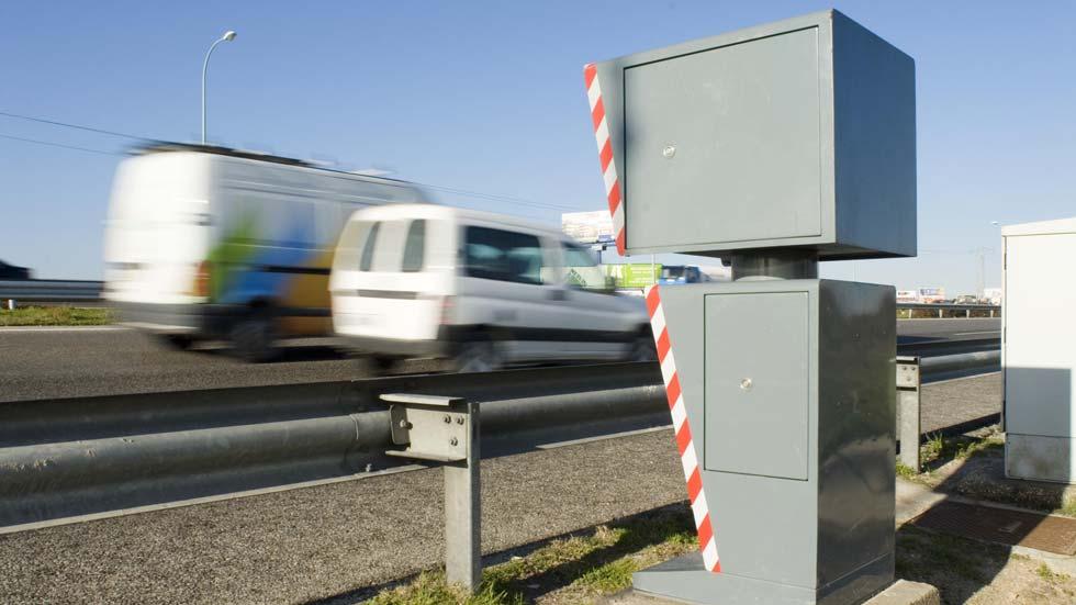 ¿A qué velocidad exacta saltan los radares en las carreteras?