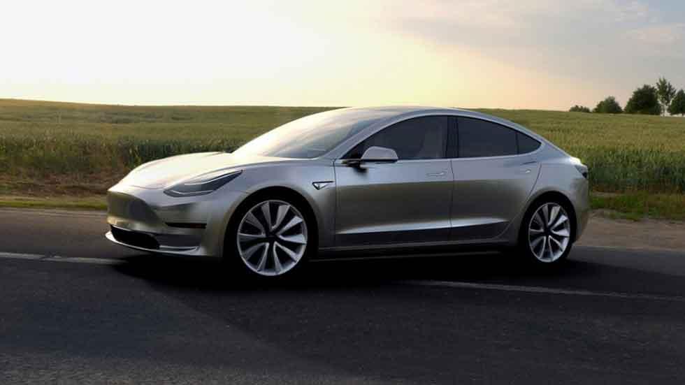 No sólo conducción autónoma: los Tesla, ¿también se fabricarán solos?