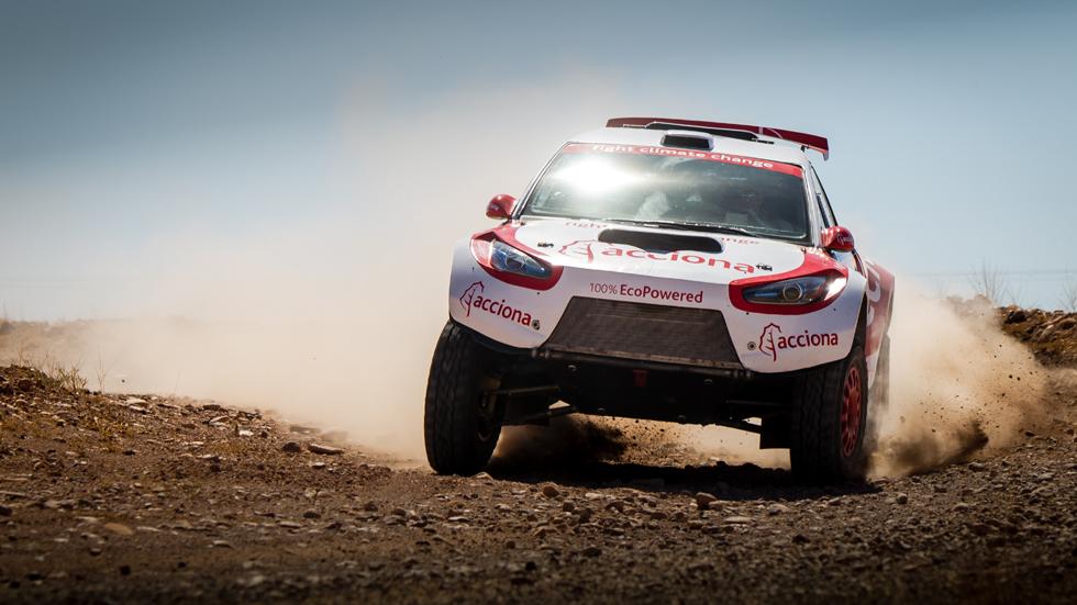 Acciona afrontará su tercer Dakar en 2017 con su coche eléctrico