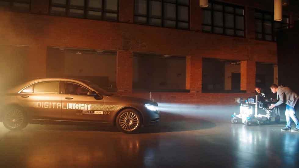 Mercedes desarrolla la tecnología de luz digital