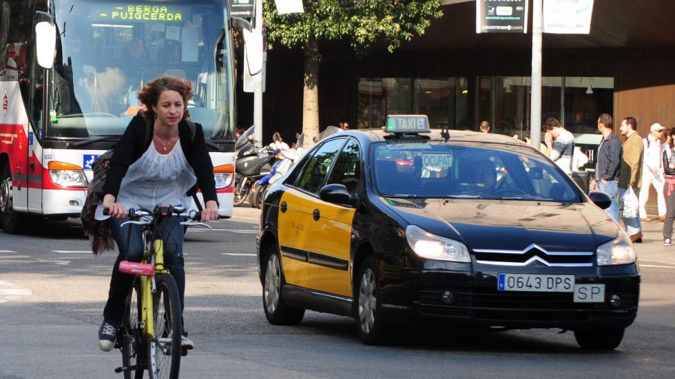 Transporte público gratis a cambio de tu coche contaminante