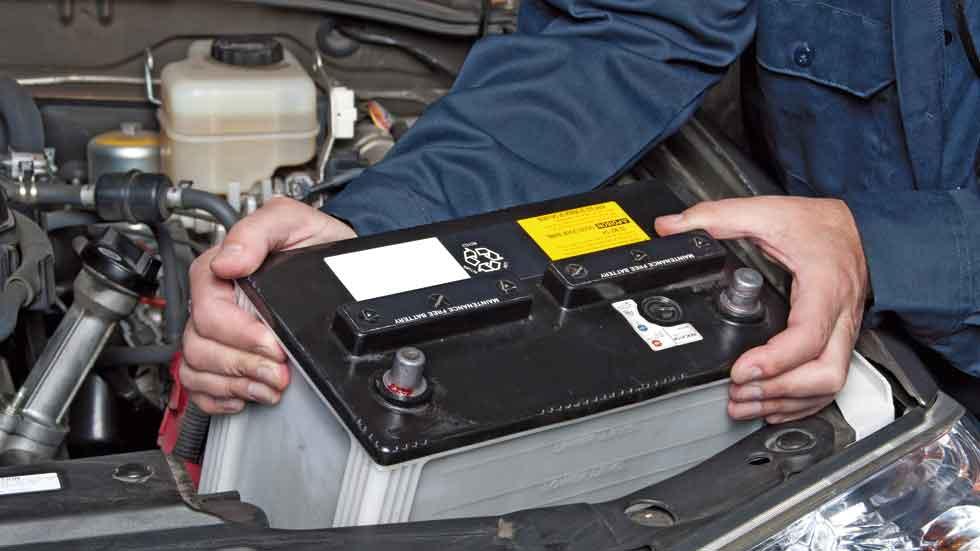 Dudas: ¿por qué las baterías del coche fallan tanto en invierno?