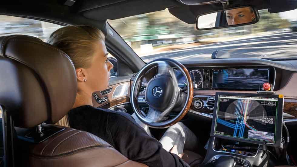 ¿Están los coches inteligentes incrementando el precio de los seguros?