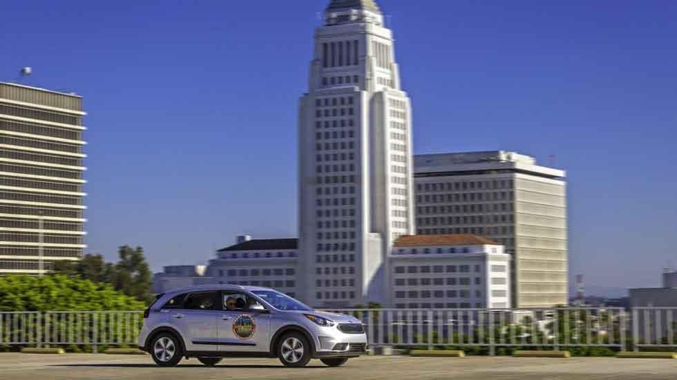 Cifras récord de consumo del Kia Niro Hybrid al cruzar EE.UU.