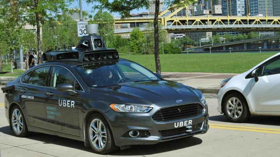 Uber reconoce que sus coches autónomos invaden por error el carril bici