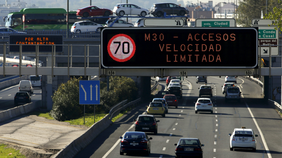 Madrid vuelve a limitar la velocidad de la M-30 por contaminación