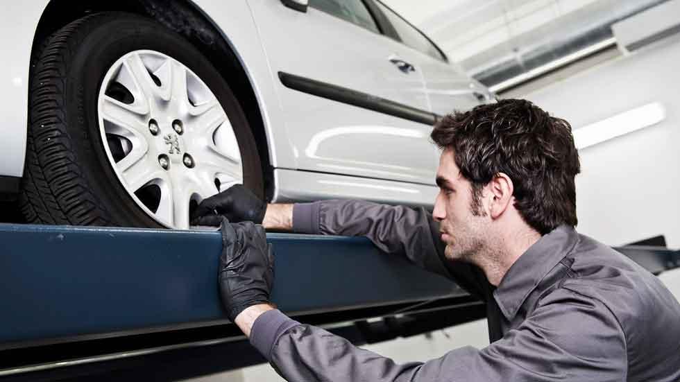 Los talleres ilegales de coches, de nuevo en el punto de mira