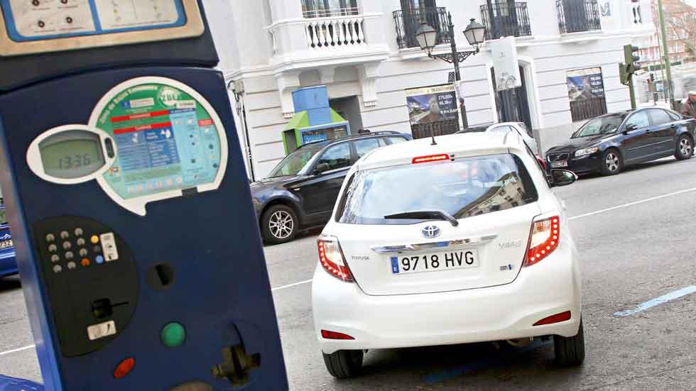 Los coches híbridos tendrán más descuentos al aparcar en Madrid en 2017
