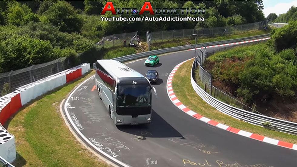Los track days más locos: furgonetas y autobuses en el circuito de Nürburgring (vídeo)