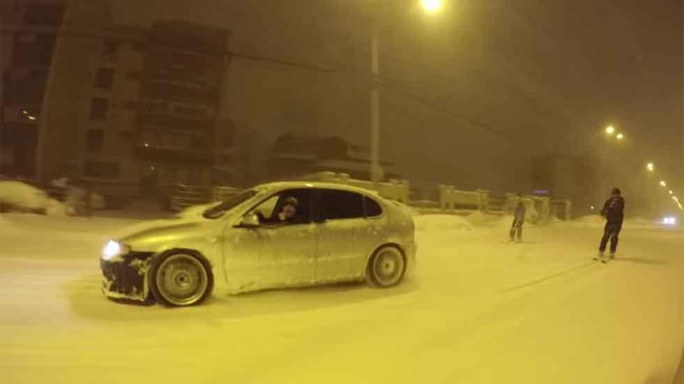 Drifting y esquí, combinados en carretera (vídeo)