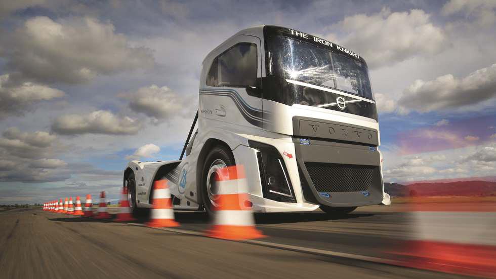¡Exclusiva! Volvo Iron Knight, probamos el camión más rápido del mundo