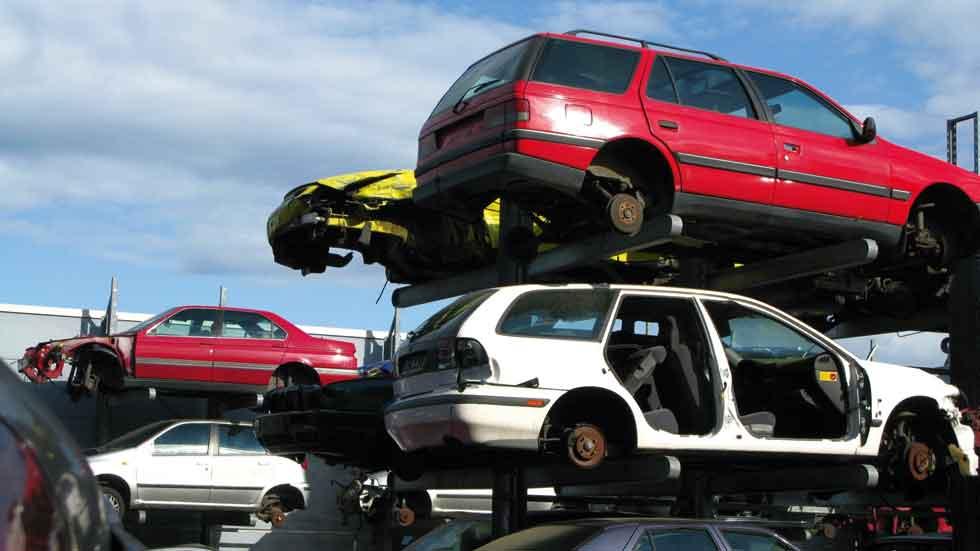 Desguazar coches será a partir de ahora más estricto y ecológico