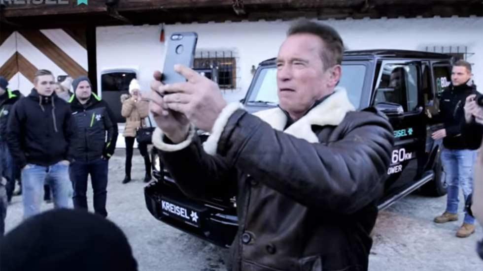 Schwarzenegger convierte su Mercedes Clase G en un eléctrico (vídeo)