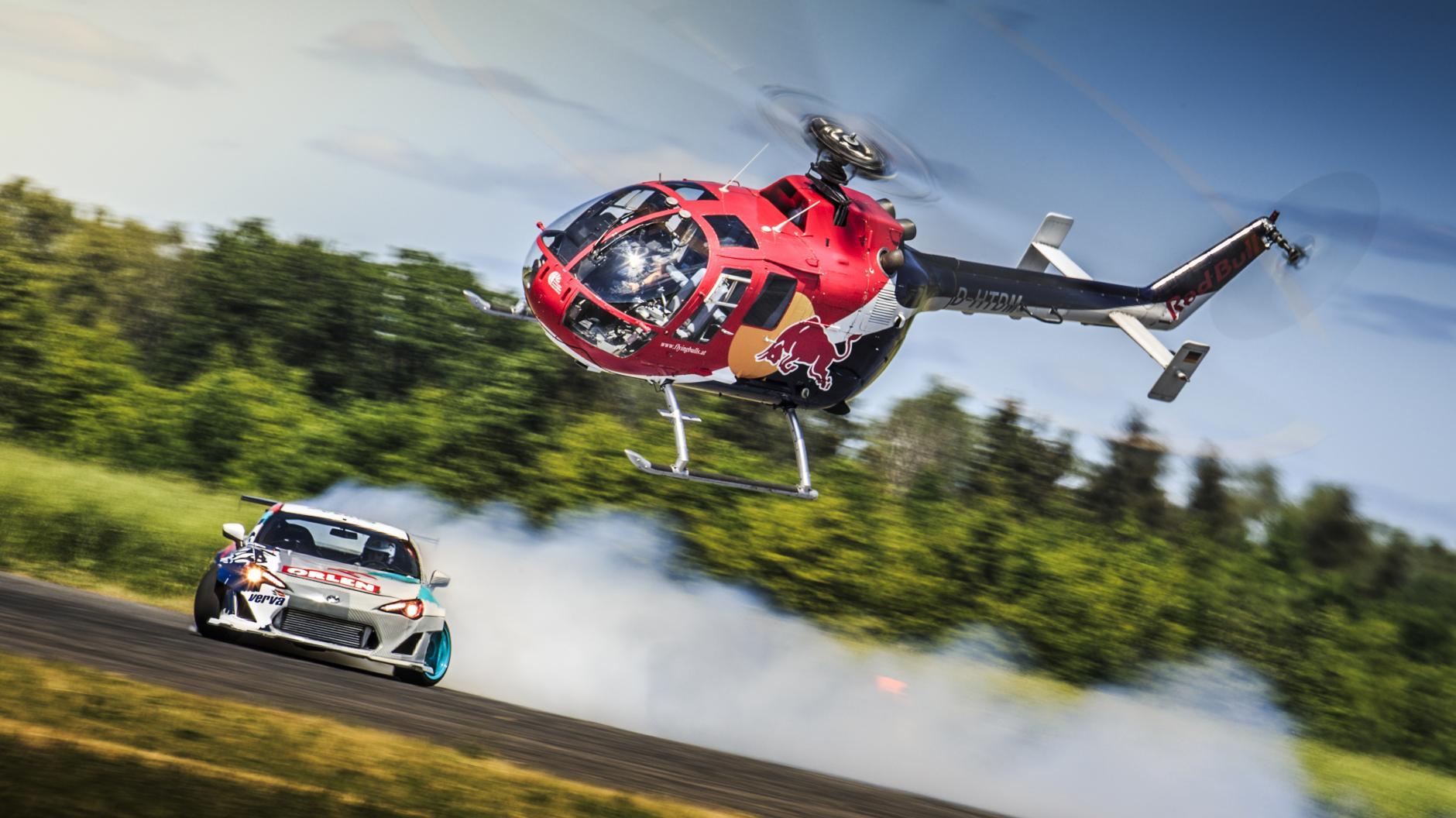 Así se derrapa con un helicóptero (vídeo y fotos)