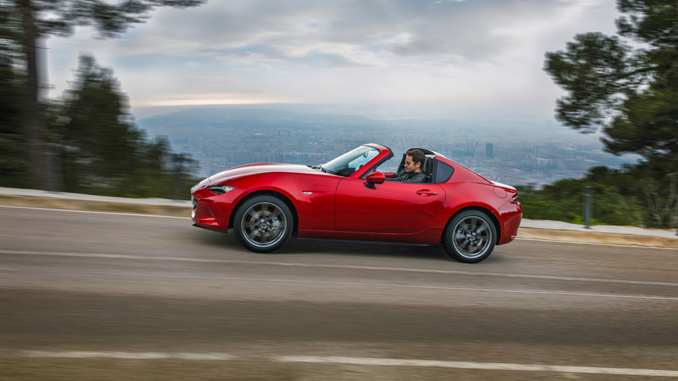 mazda mx 5 rf probamos la nueva versi n de techo duro retr ctil. Black Bedroom Furniture Sets. Home Design Ideas