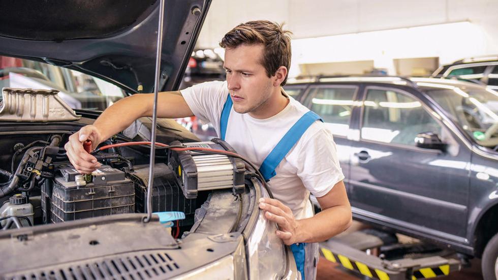 Dudas: ¿las baterías de los coches híbridos también se pueden descargar?