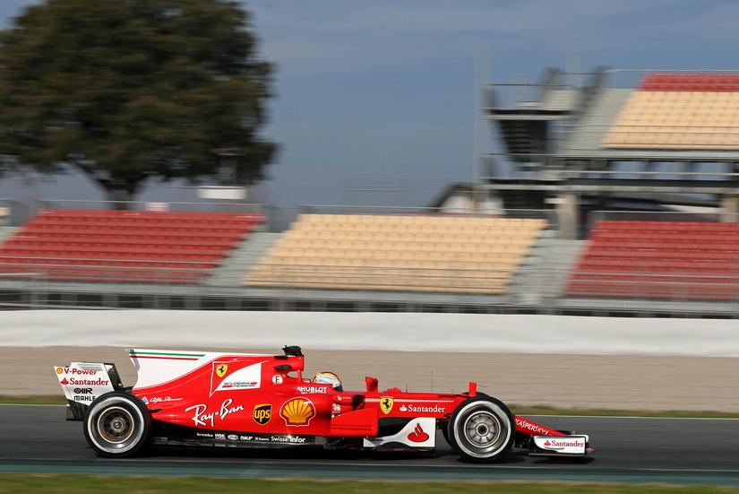 Test de Barcelona de F1: Vettel, el más rápido; el McLaren de Alonso se rompe