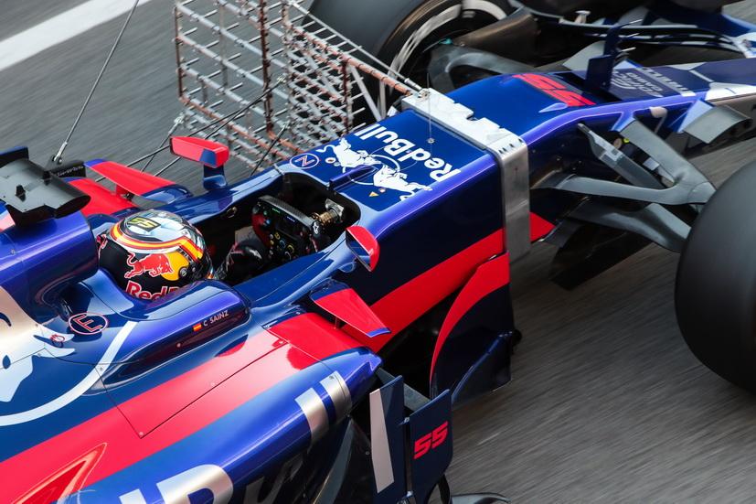 Primeras vueltas para Sainz en el Toro Rosso STR12
