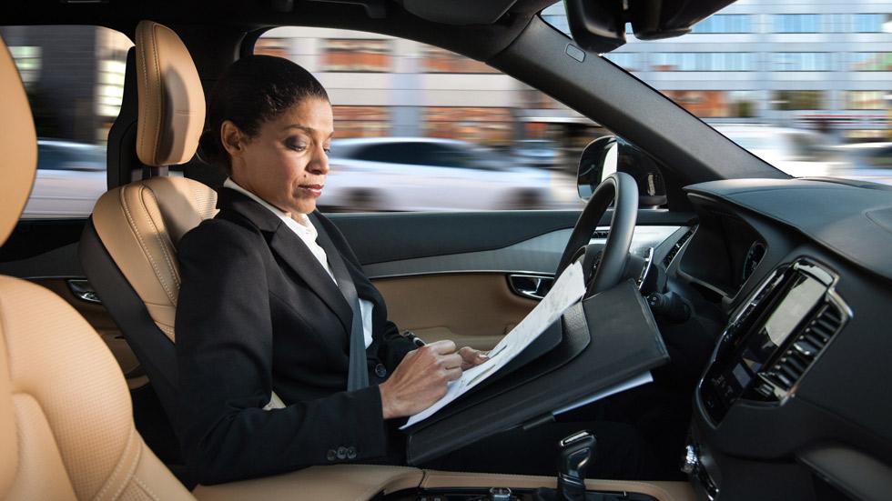 La DGT y los fabricantes, juntos para regular el coche autónomo