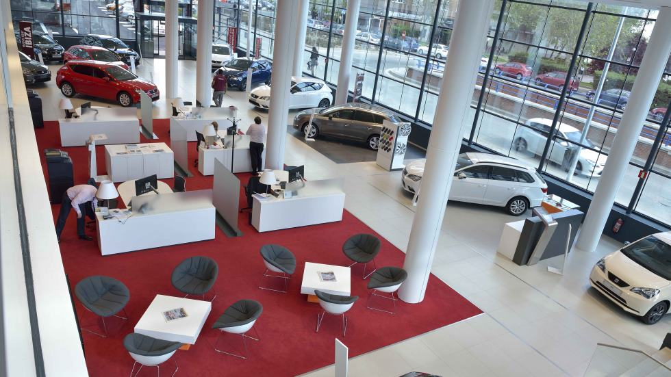 Las ventas de coches se estancan por primera vez en un año