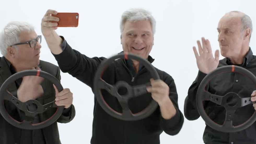 Los humoristas Tricicle avisan de los peligros del móvil al volante (vídeo)