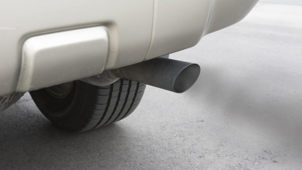 Los coches homologados en España superan el límite de emisiones en conducción real