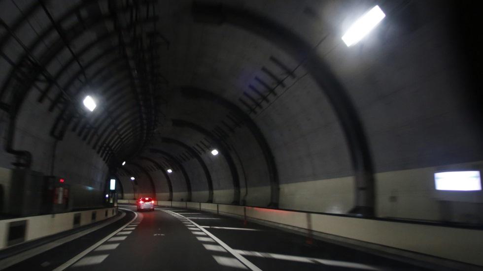 Cazado a 280 km/h en un túnel, y otros récords captados por la DGT